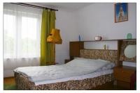 ZDJĘCIE: Pokój 2 osobowy (ze wspólną łazienką na korytarzu)