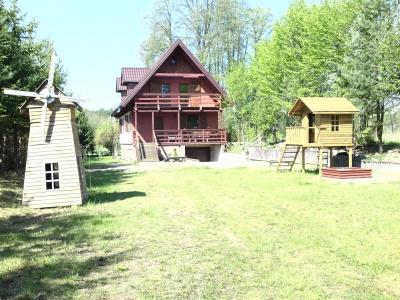 Dom nad jeziorem w Krasnogrudzie