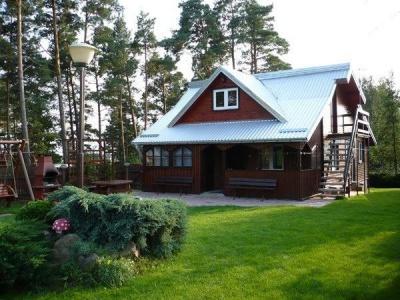 Dom letniskowy nad jeziorem Dmitrowo z prywatną plażą