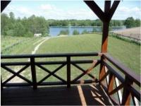 ZDJĘCIE: Domek z kominkiem nad jeziorem Gaładuś
